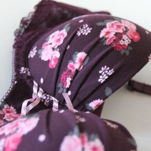 Intimates & Sleepwear - Gorgeous Purple Floral Lace Demi Bra Size 34B